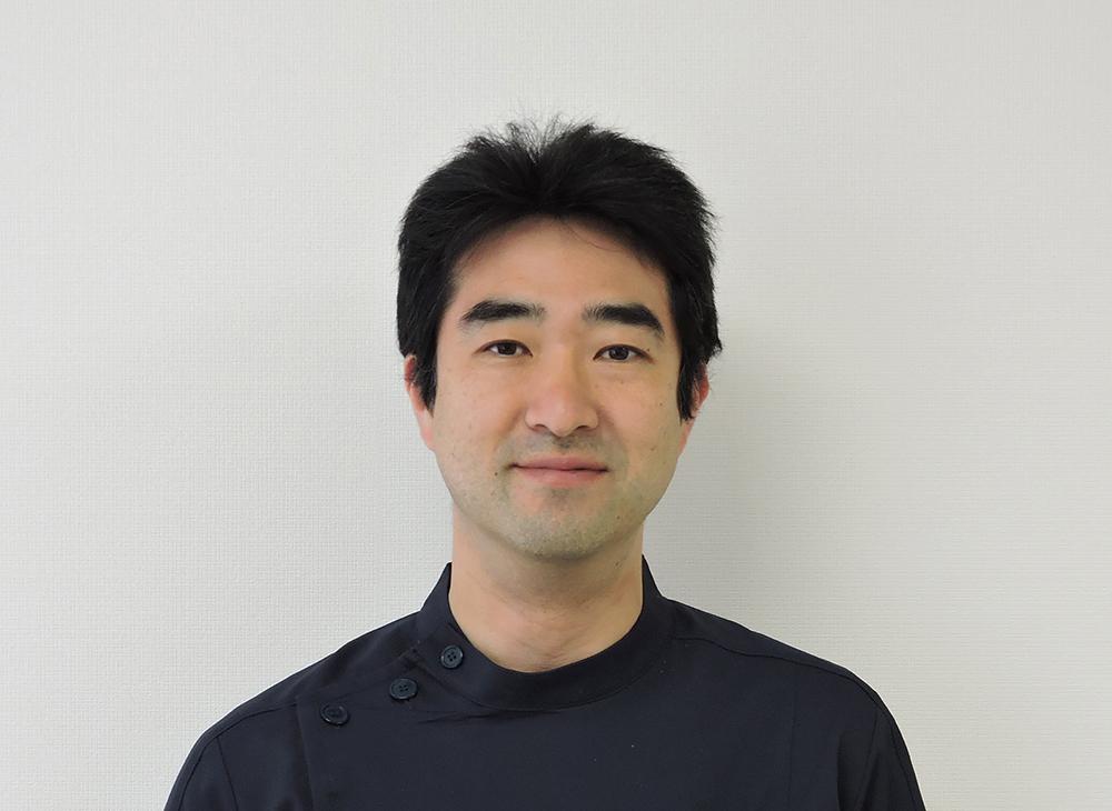 村岡 良介